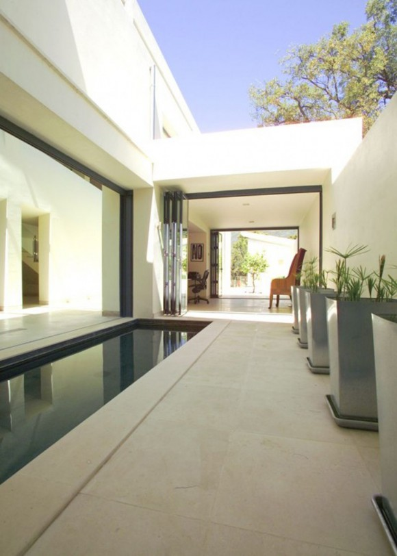 contemporary outdoor swimming pool designs
