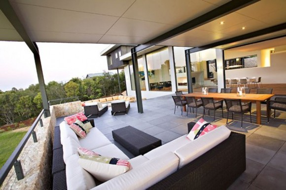 Modern Australian House Design With Outdoor Living Room