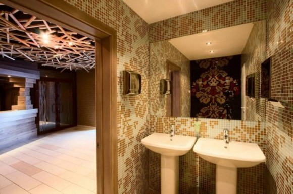 glamour restroom decorating design