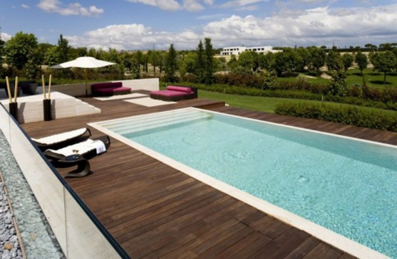 outdoor wooden swimming pool decor