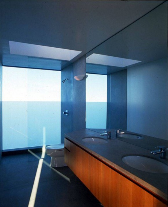 stylish transparent bathroom design