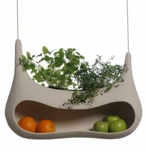 unique hang-in fruit storage design