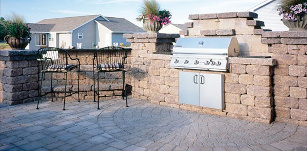 outdoor kitchen design on Outdoor Kitchen Designs By Belgard Hardscapes  Classic Outdoor Kitchen