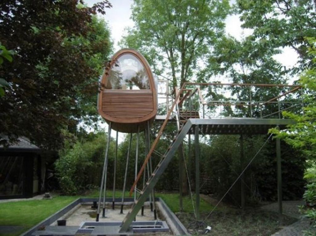 Free treehouse plans, outdoor projects and plans, including tree