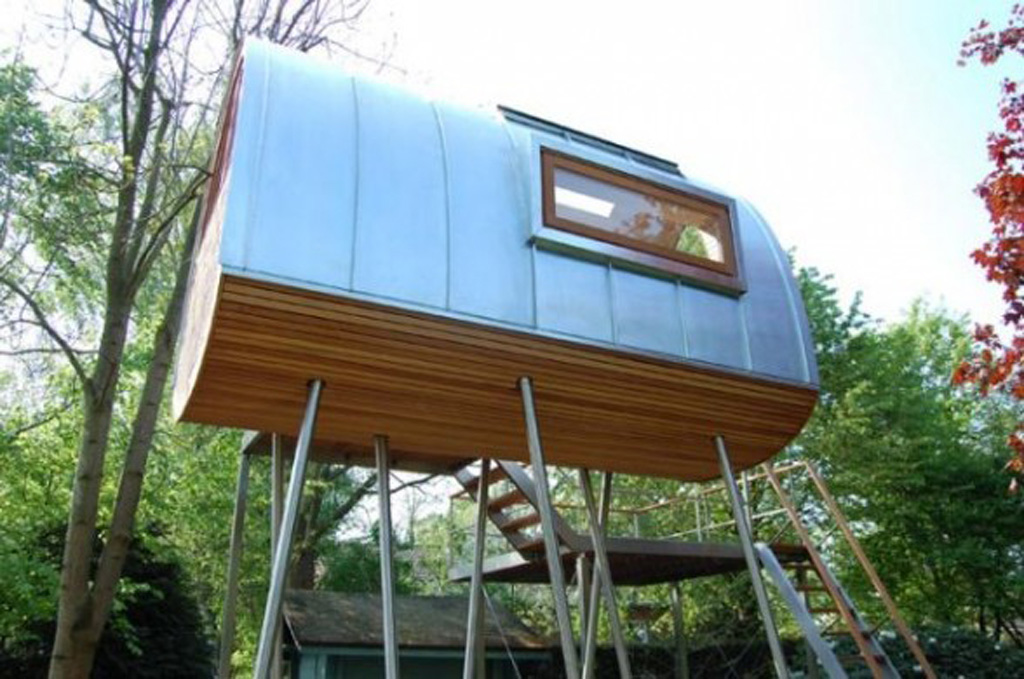 20 incredible tree houses from around the world ginva for Best eco friendly house designs