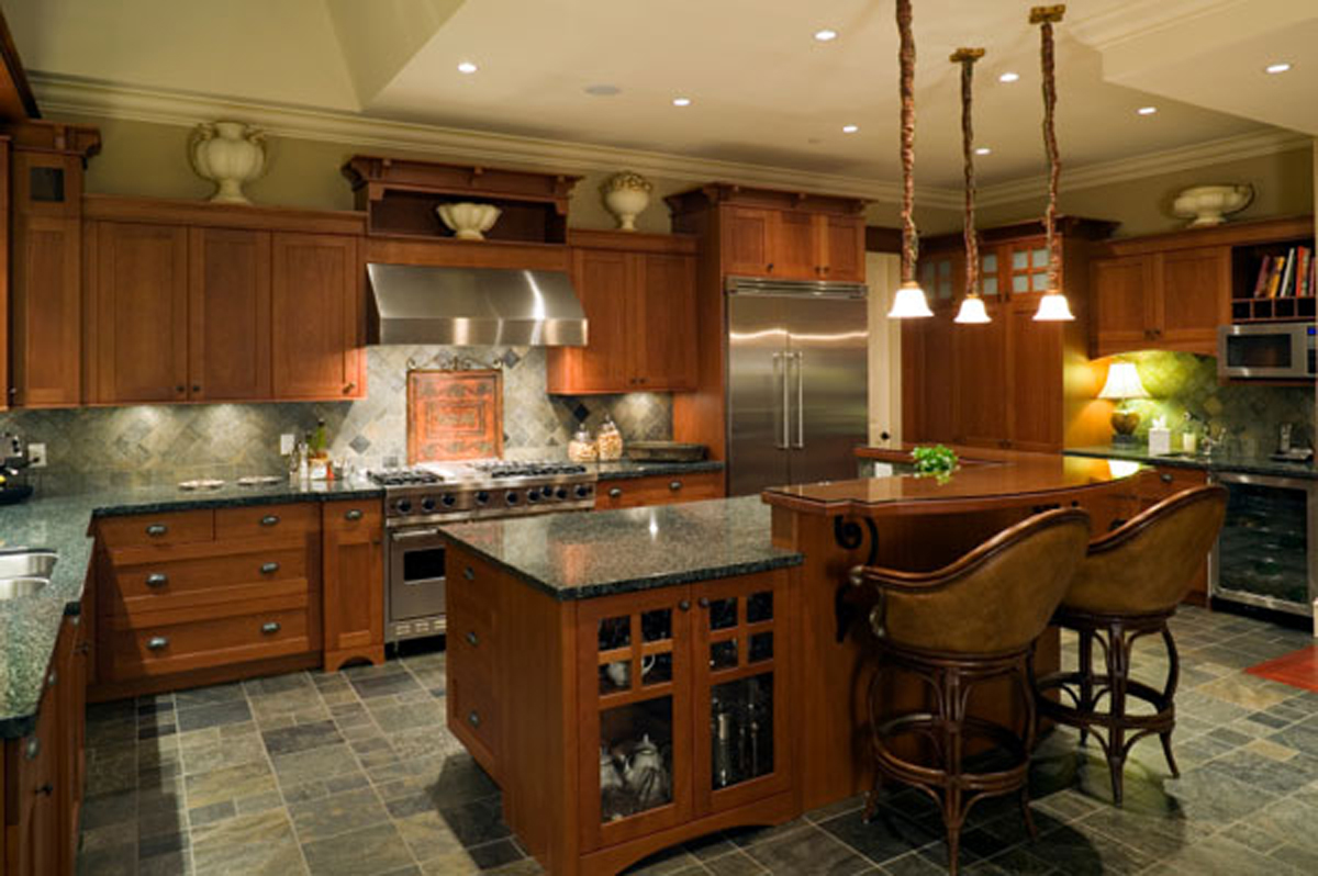 Cozy kitchen decorating ideas for Luxury kitchen layout