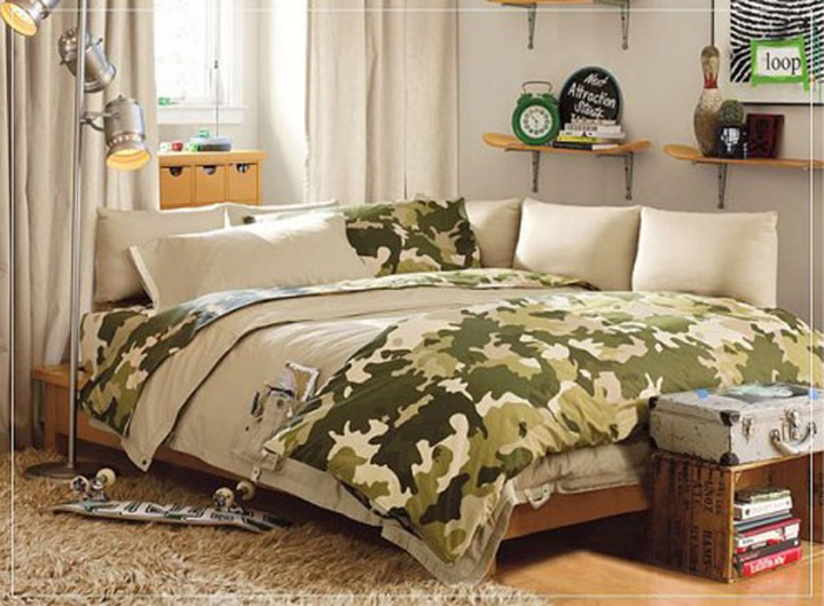Army look boys room decor for Camo bedroom designs