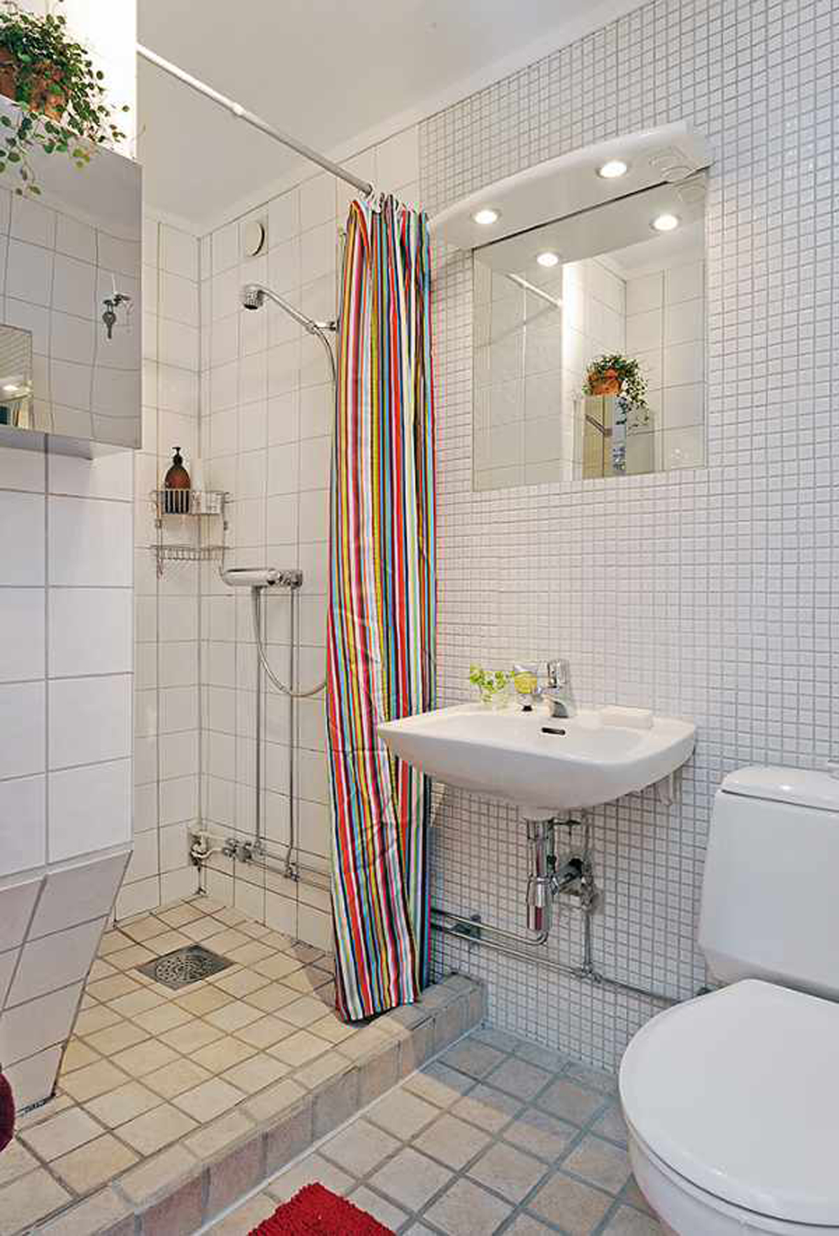 Space saving bathroom decorating ideas for Space saving bathroom ideas