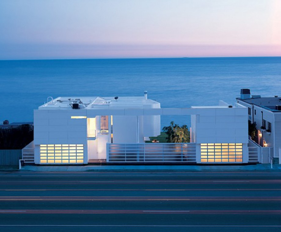 white beach house exterior decor