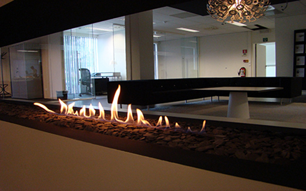 Modern Outdoor Fireplace Designs With Bio Ethanol Energy