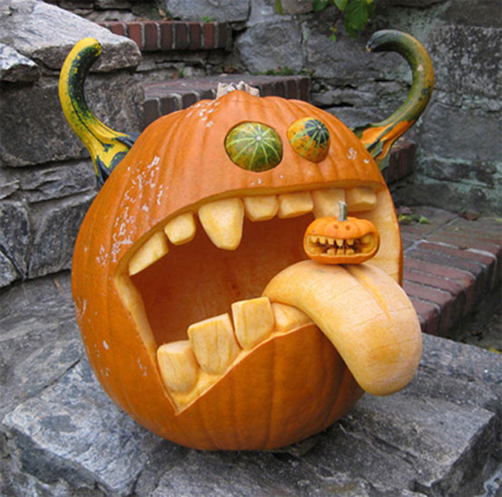 Creative mountain games pumpkin carving