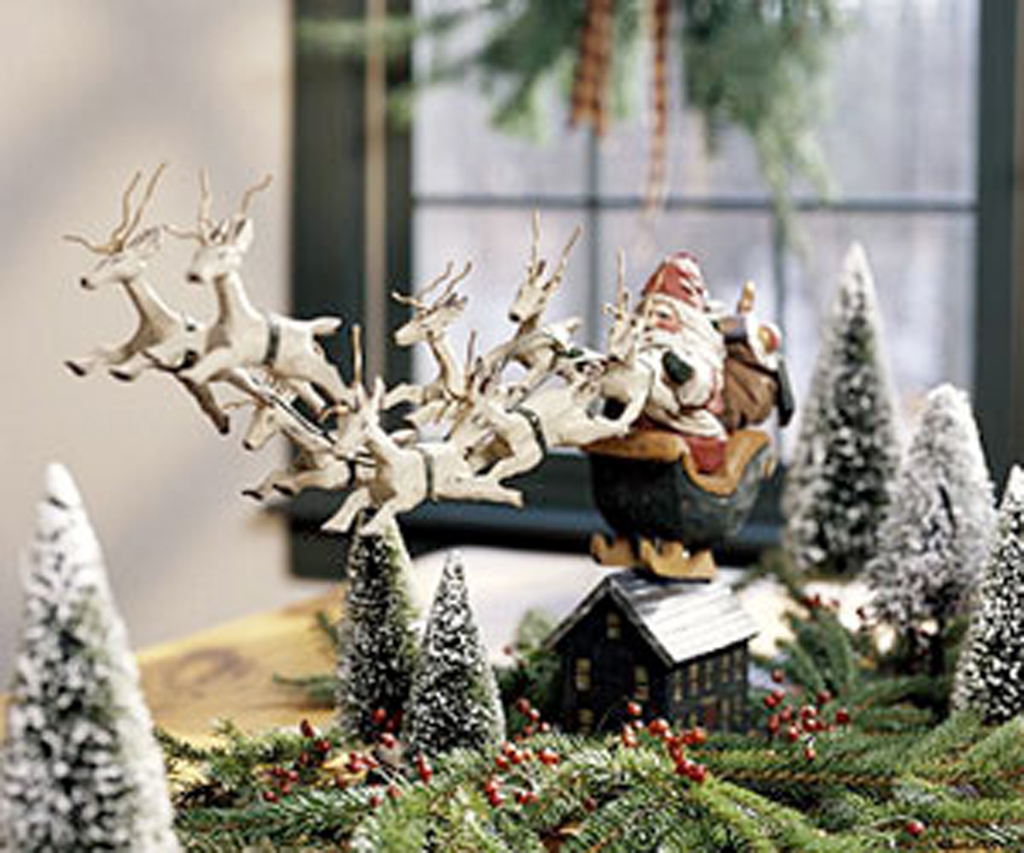 Classic santa claus decor ideas iroonie