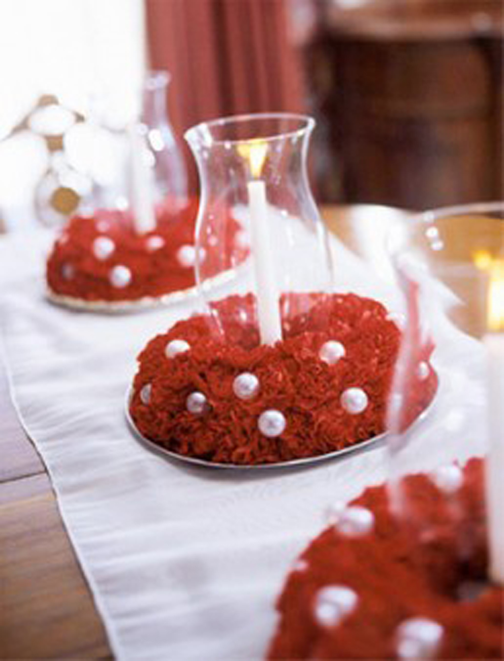 red wedding table decorations