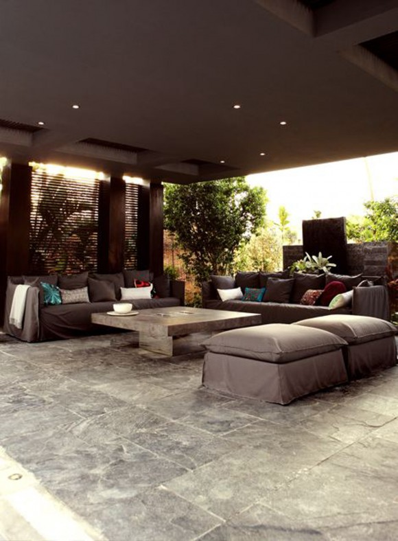 metallic living room decor plans