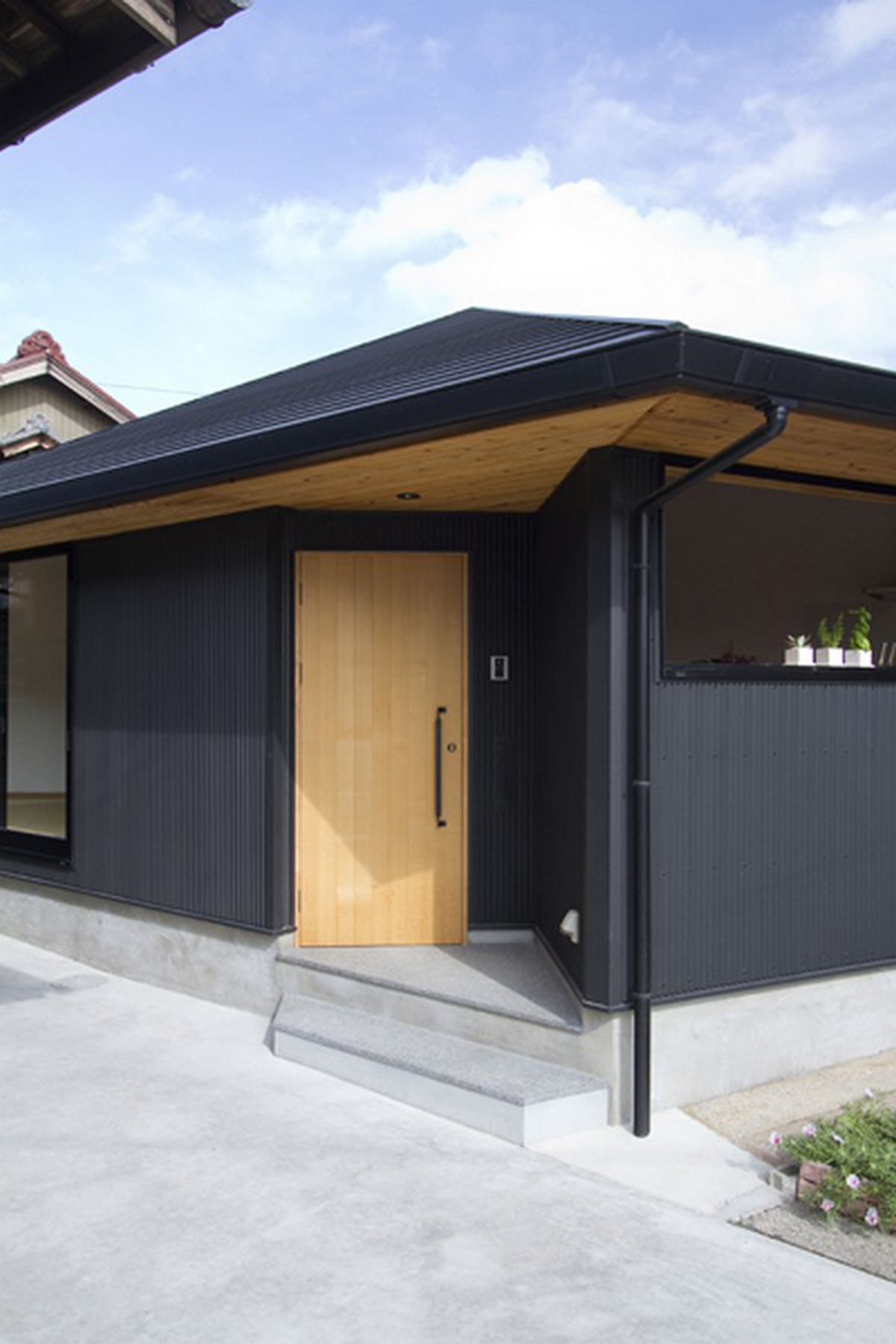 Minimalist japanese house designs for Japanese minimalist small house design