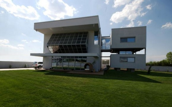 extraordinary solar house design