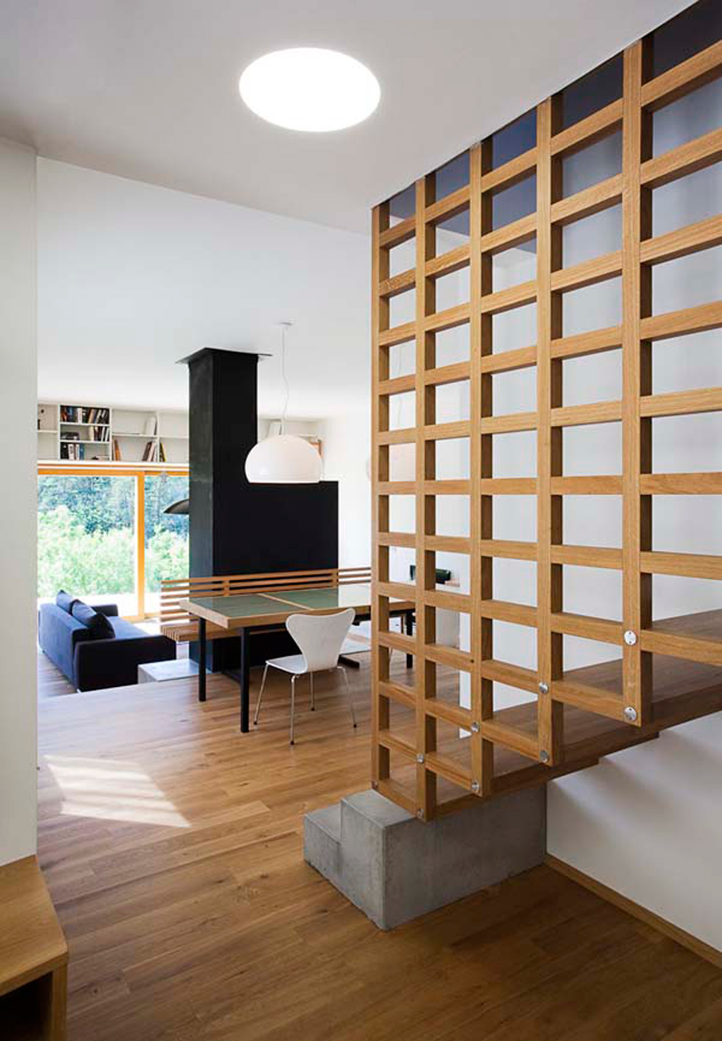 Wooden floating staircase layouts