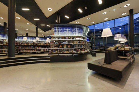 clean and clear public library arrangement