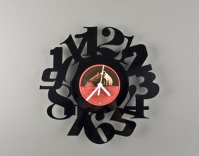 extraordinary black recycle clock