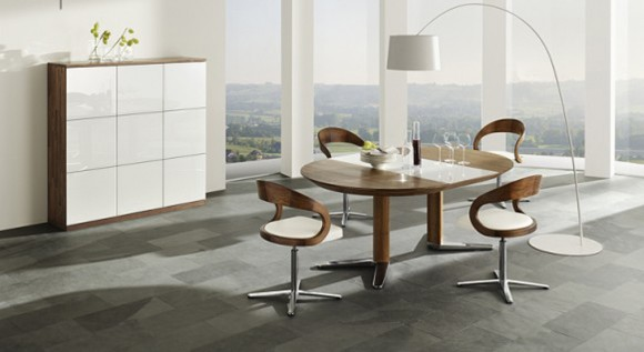 round wooden dine room table set