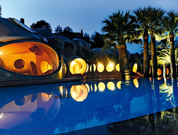 the Palais Bulles Residence designs