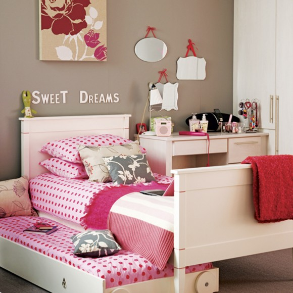 sweet comfy teen room designs