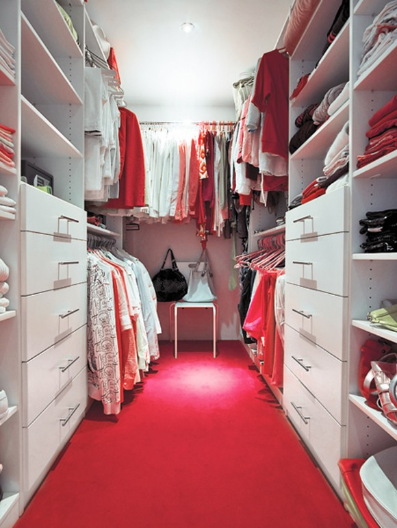 fashionable flat wardrobe layouts