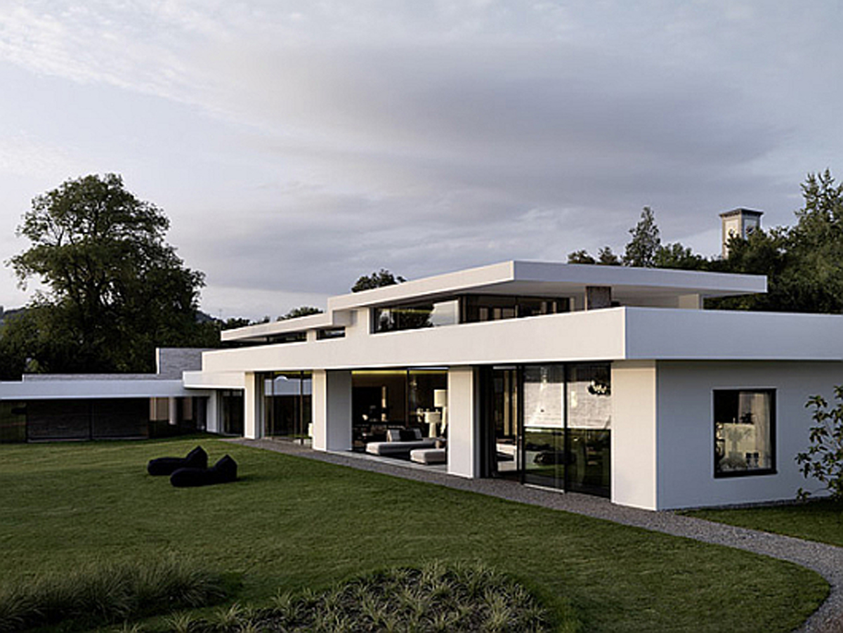 Futuristic White Modern Dream House