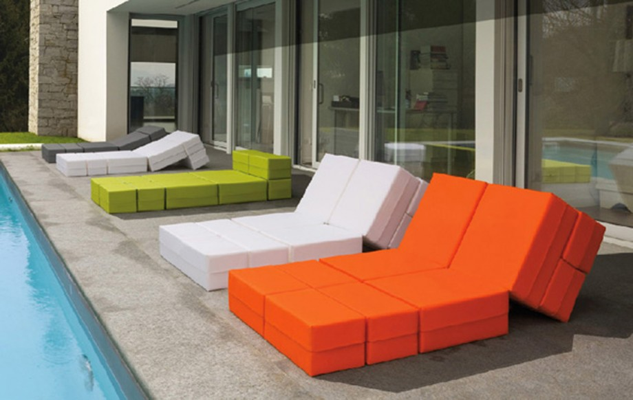 Multi colored outdoor furniture designs for Designer outdoor furniture