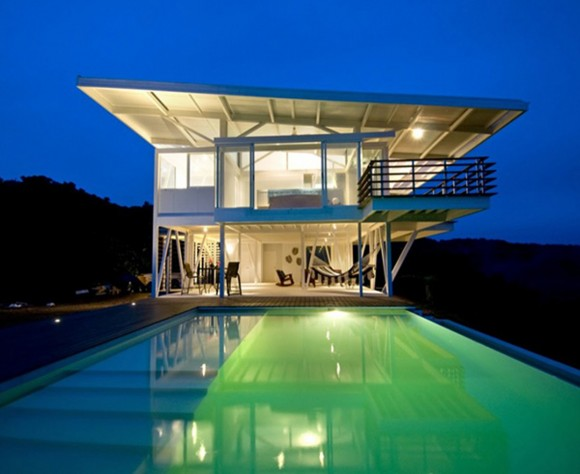 glowing beach home designs