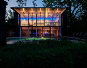 modern glass house designs