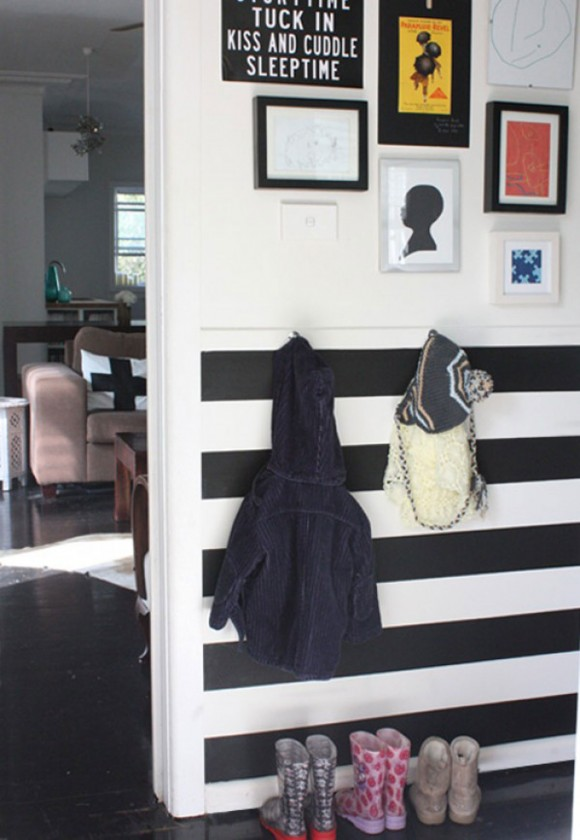 black and white mudroom decor