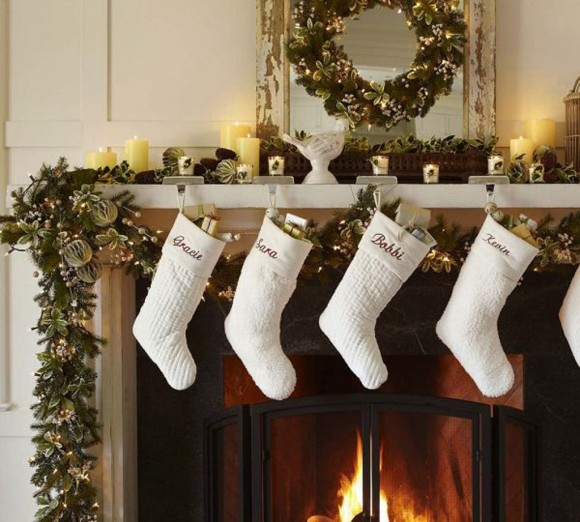 clean and clear Christmas decorations
