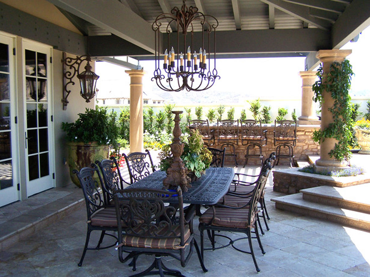 semi indoor outdoor dining room