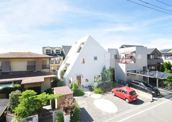 japanese three storeys house