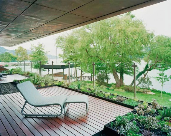 comfortable outdoor terrace layouts