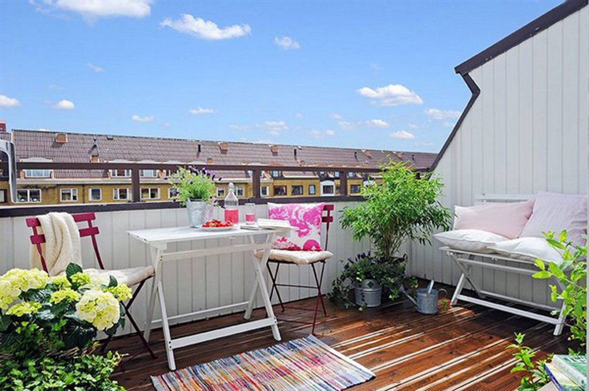 Rooftop modern attic apartment garden for Apartment patio