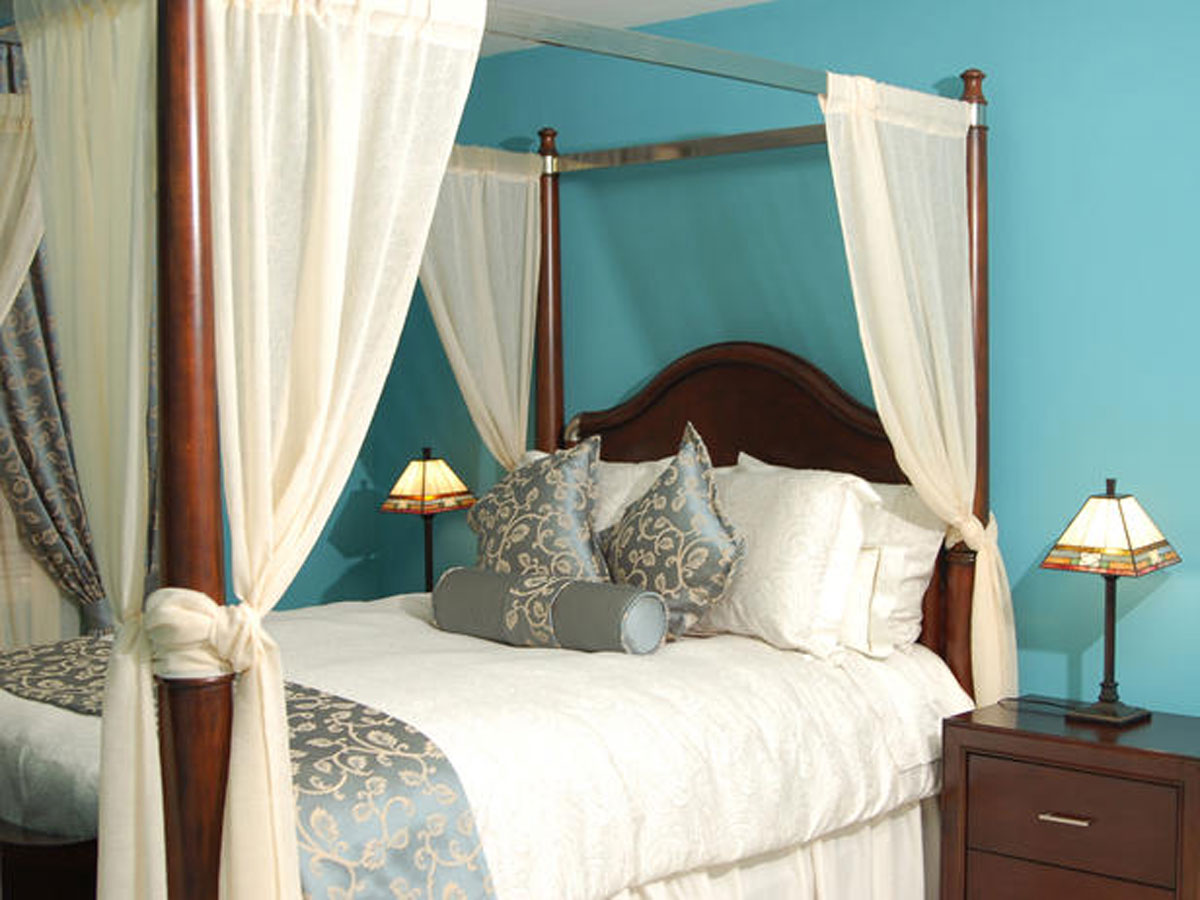 bed curtain one of 8 total photos best canopy bed designs from kim