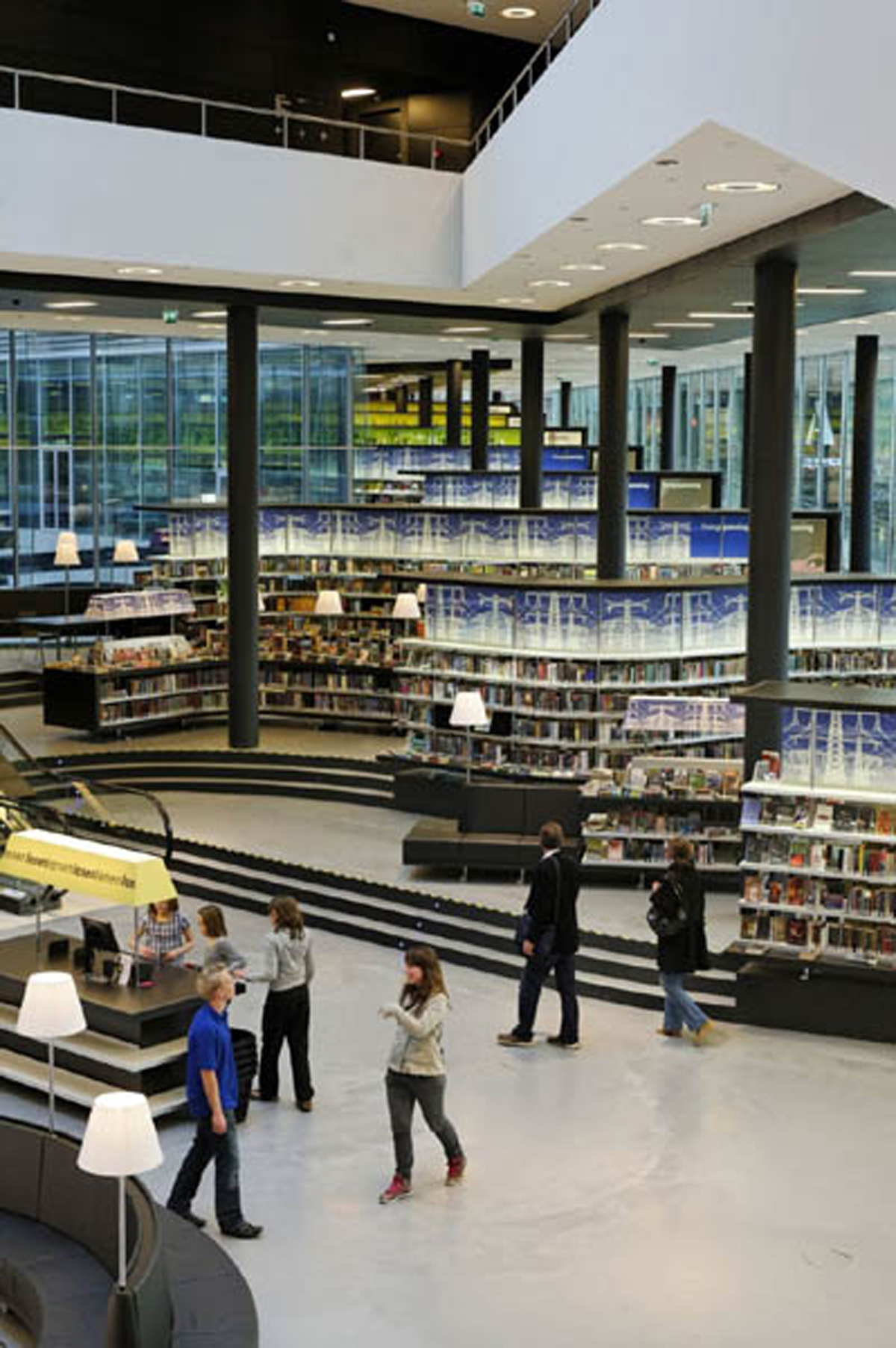 Modern Netherlands Library Designs with Clean and Clear Interior ...
