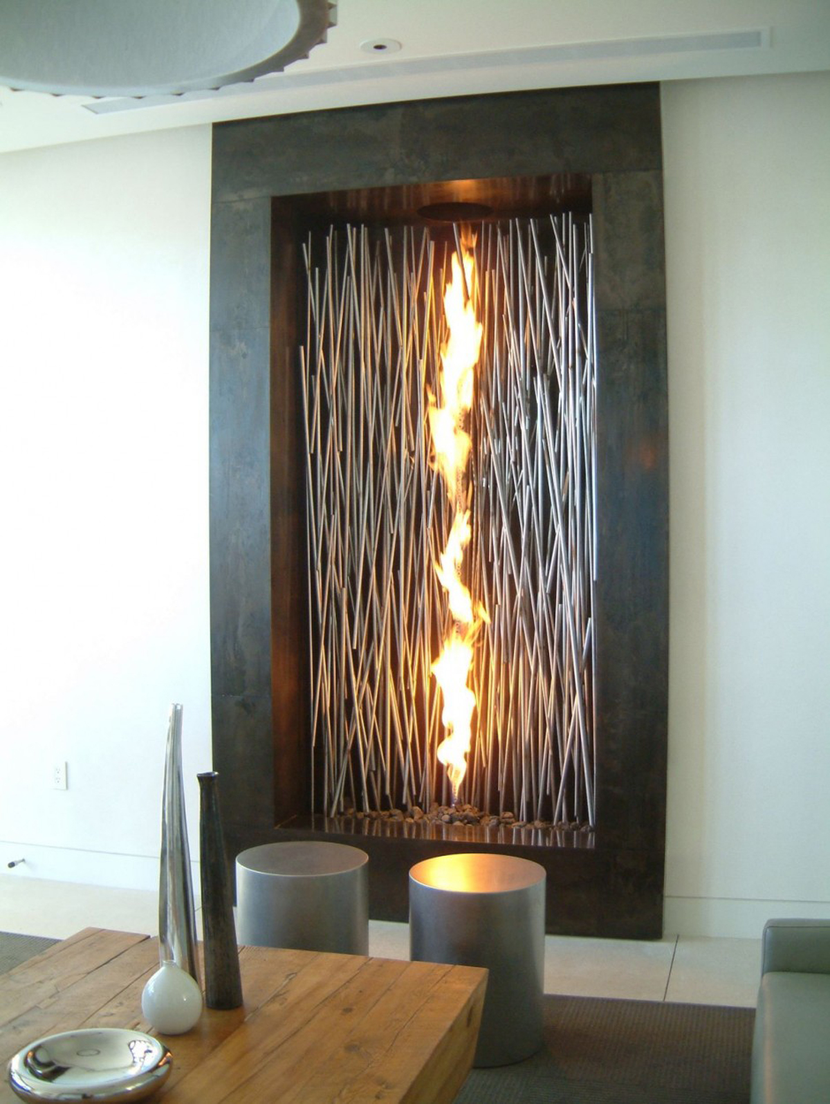 Modern fireplace designs features for Interior fireplaces designs