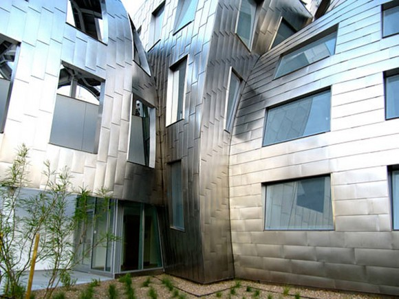 stainless steel view brain clinic exterior