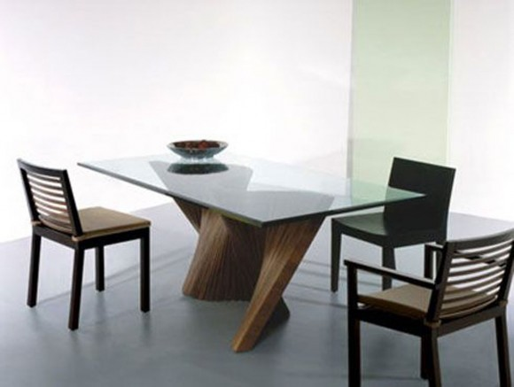 Contemporary glass dining room table design for Contemporary dining table decor
