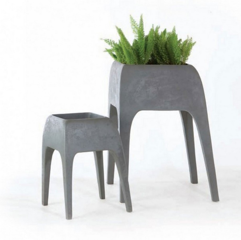 stool look safari planter