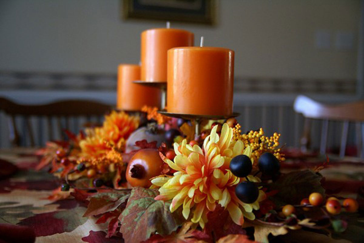 Warm autumn decoration ideas for Autumn flower decoration