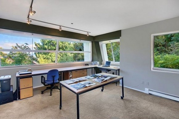calm home office space