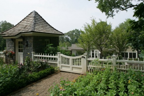 Amazing Fence Designs to Inpsire Your Yard (11)