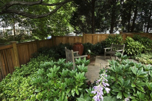 Amazing Fence Designs to Inpsire Your Yard (13)