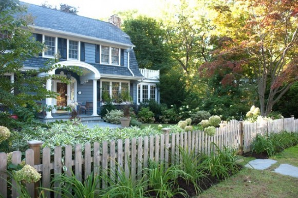 Amazing Fence Designs to Inpsire Your Yard (3)