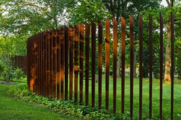 Amazing Fence Designs to Inpsire Your Yard (8)