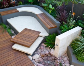 Decorating the Outdoors with Brilliant Courtyard Designs1